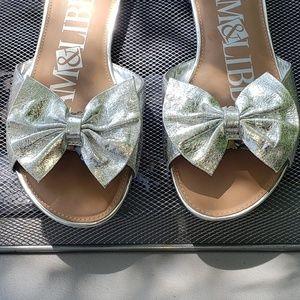 Sam & Libby Silver Harper Bow Slide Sandals Sz 10